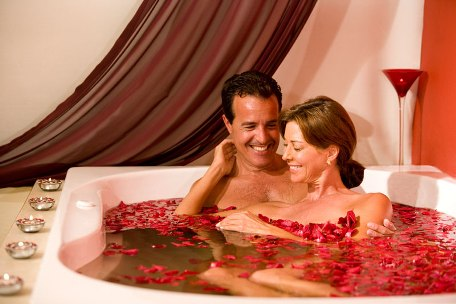 Couples Jacuzzi at Temptation Resorts