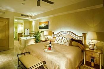 Accommodations At Villa Del Arco Beach Resort Los Cabos