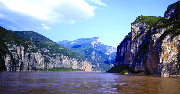 Sailing China's Scenic Yangtze River with Victoria Cruises